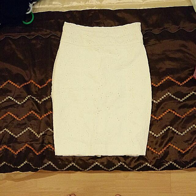 H&M Embroidered Pencil Skirt