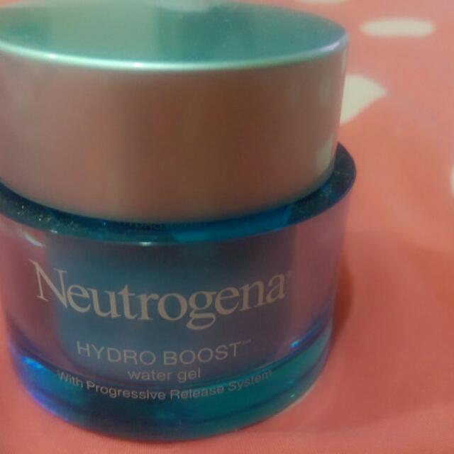 Neutrogena露得清水活保濕凝露 50ml。九成新