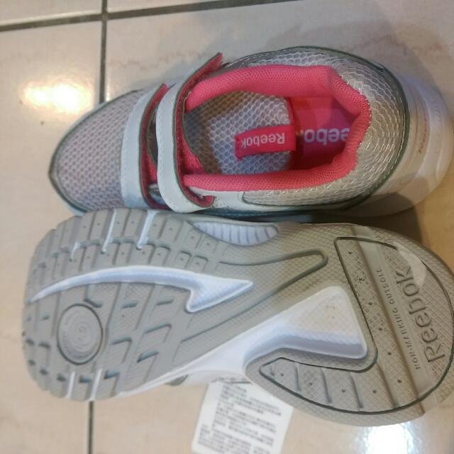 Reebok 童鞋 含郵寄運費