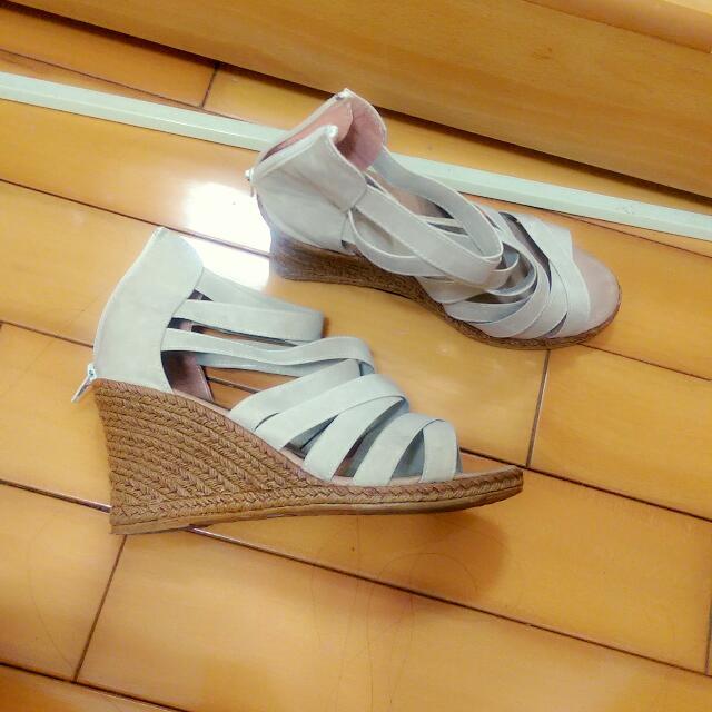 24.5羅馬跟鞋