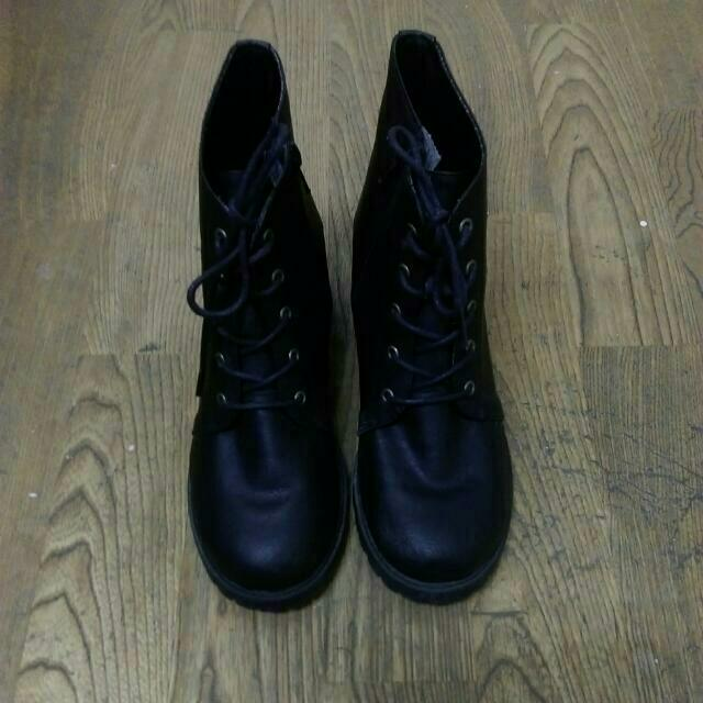 黑色高根軍靴