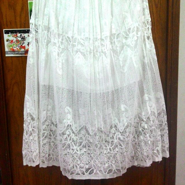 美 全白細緻蕾絲長裙