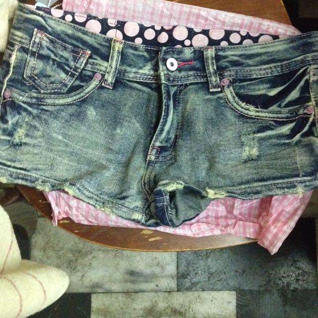 全新 牛仔短褲 熱褲 中低腰 L