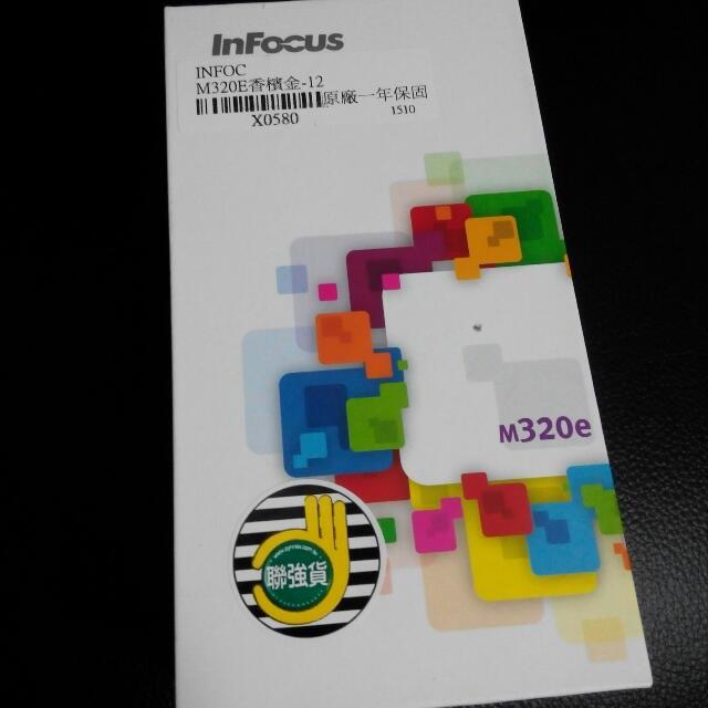 InFocus m320e