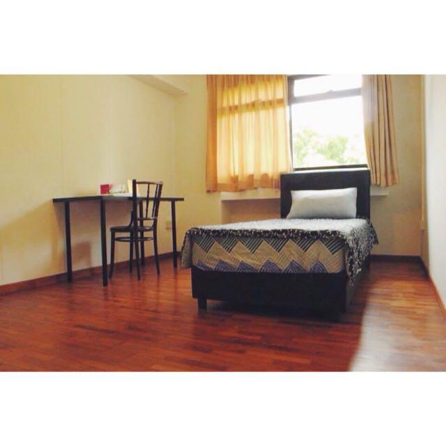 Very Nice Room just beside Queenstown MRT