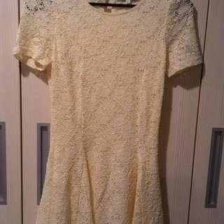 Pazzo蕾絲洋裝,也可當長上衣穿