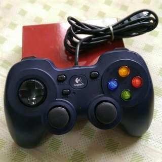 Logitech 羅技 搖桿 遊戲控制器 F310