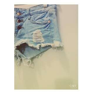 👊保留👊小高腰排扣淺色短褲