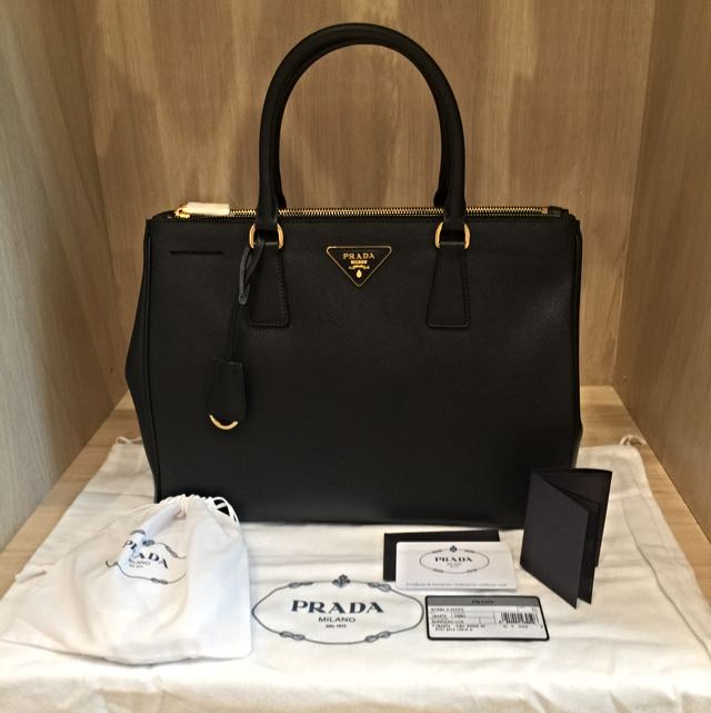 462a0b2a86f22f Brand New PRADA Saffiano Leather Tote Black 1BA274 NZV, Luxury on Carousell