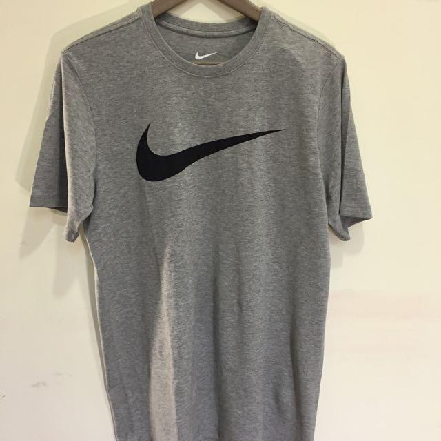 Nike Swoosh Logo 短T 大勾勾 Logo
