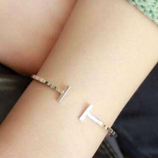 預購款⚓️歐美代購類似H&M款簡約設計大開口手環飾品 共兩款