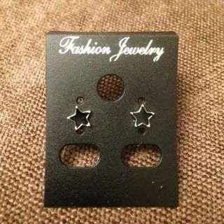 黑色星星耳環 鋼針