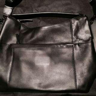 TUMI Men's Leather Bag (Authentic)