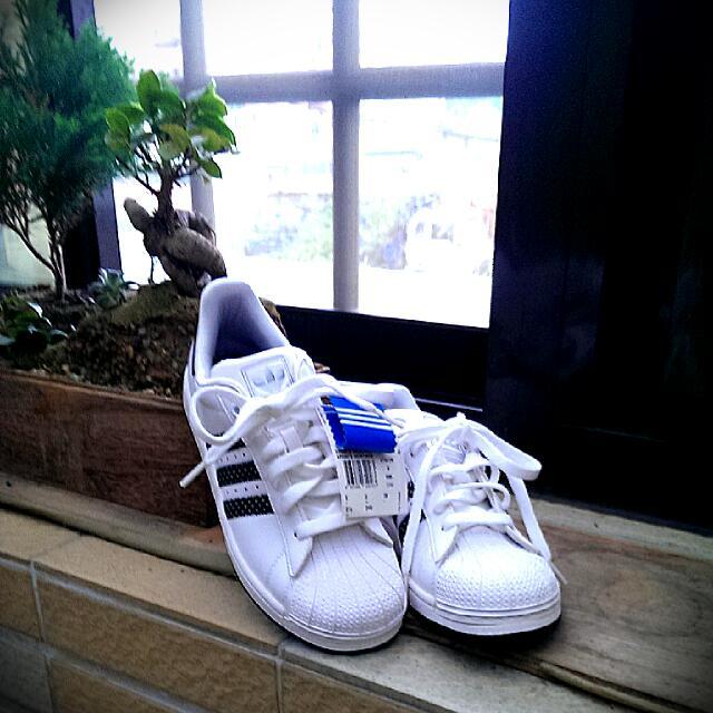(保留中)全新adidas運動鞋