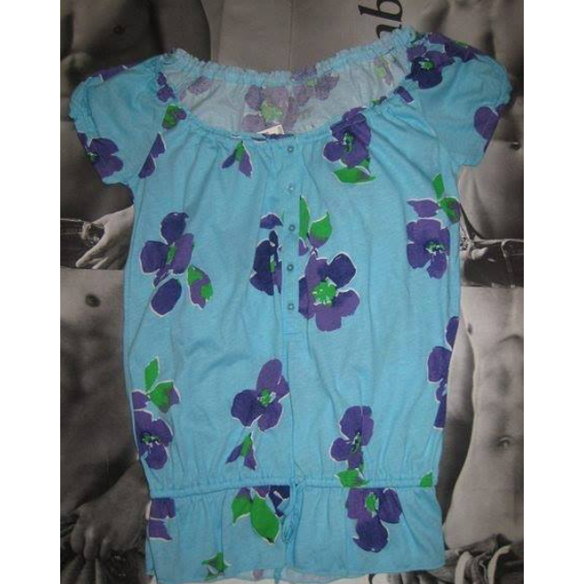 AEROPOSTALE 女生短袖滿版花卉上衣  尺寸: xs 全新商品~有吊牌 $200免運