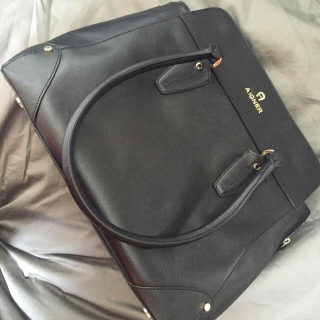 Authentic Aigner Satchel