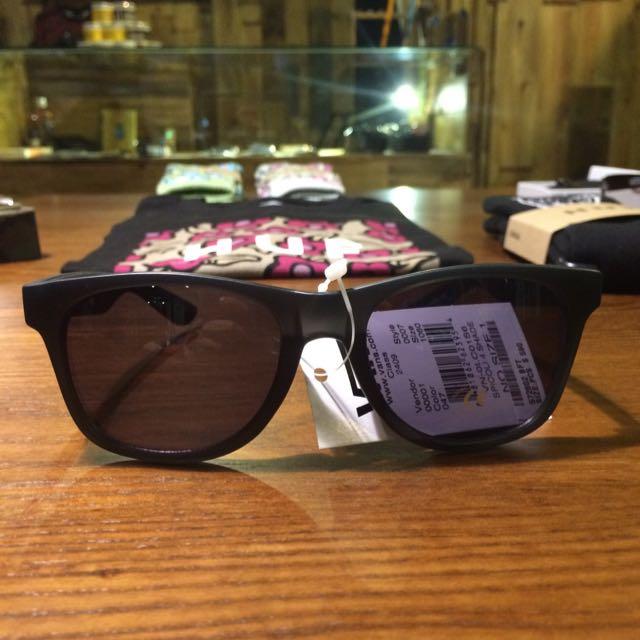 Vans 太陽眼鏡 霧黑框