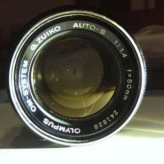 OM 50mm F1.4 手動老鏡 +  晶片4/3接環