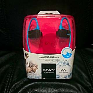 Sony Waterproof Walkman 4GB (Black N Blue)