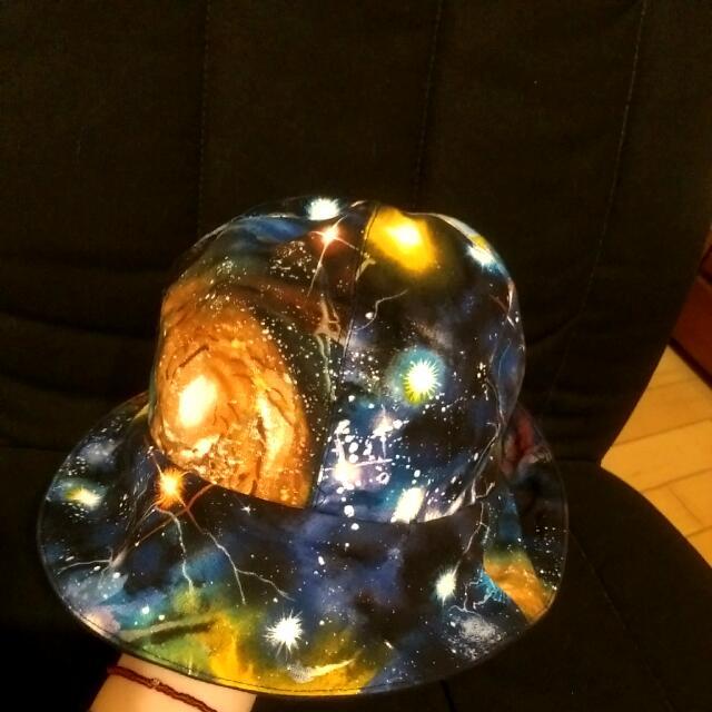 宇宙銀河漁夫帽
