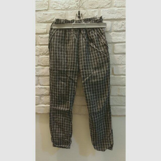 【二手】麻灰色格子褲。