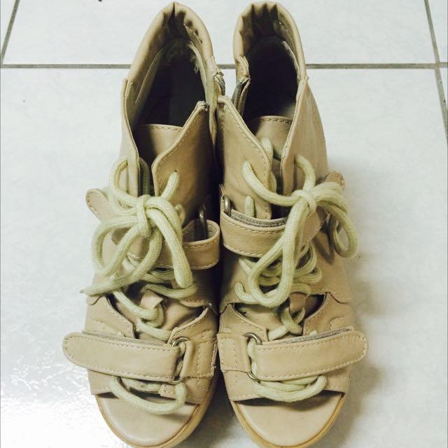 裸色厚底鞋