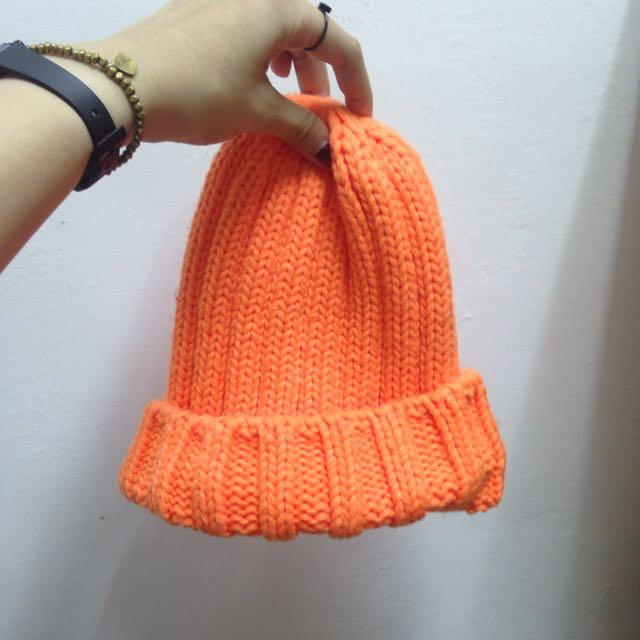 螢光橘毛帽