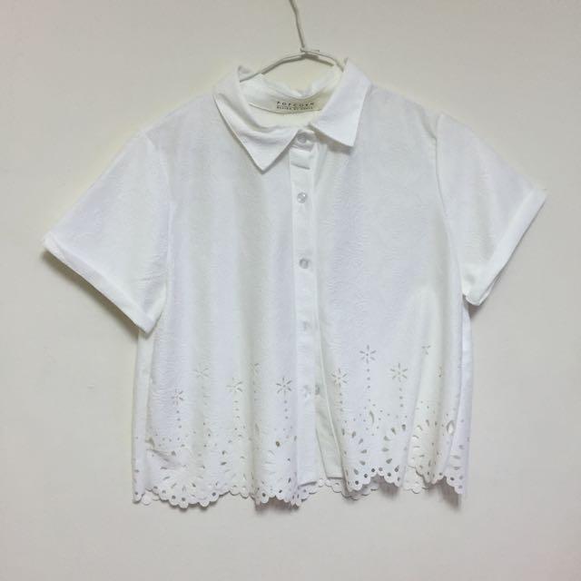 白 短版襯衫