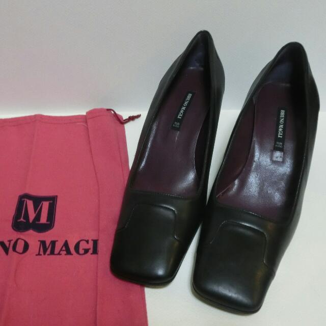 (全新BRUNO MAGI專櫃) 真皮跟鞋