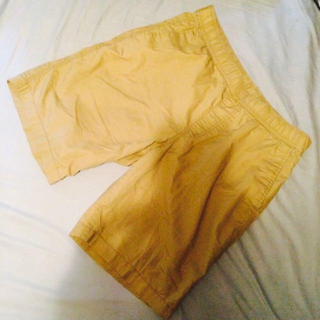 Uniqlo M號 淺卡其 短褲 腰圍 76~84 鬆緊帶