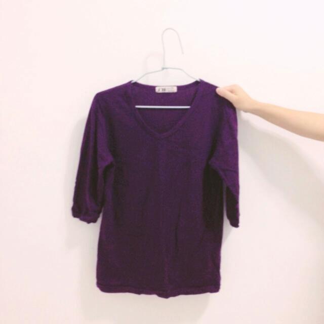 V領紫色針織七分袖上衣