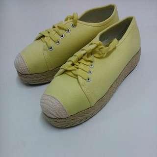 D+AF檸檬黃草編厚底休閒鞋