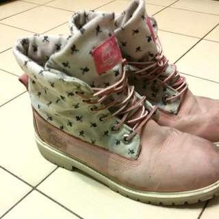 【二手清倉】Timberland 限量粉色經典款軍靴