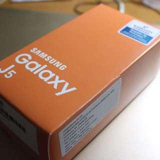 Brand New Samsung Galaxy J5 (Gold)
