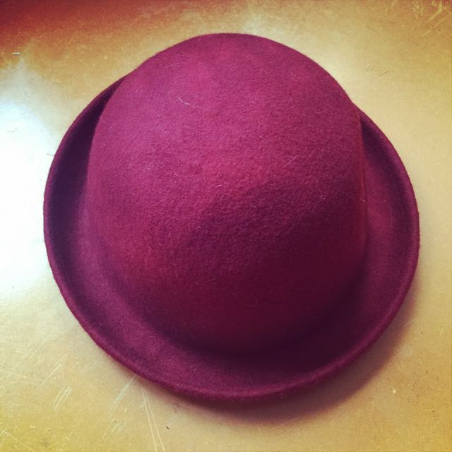 酒紅小圓帽