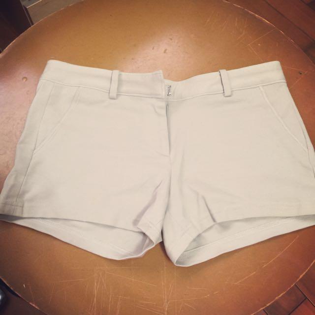 米色西裝褲