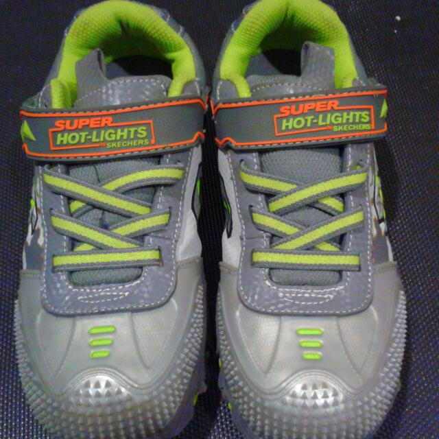 run shoes 2018 shoes uk cheap sale Super Hot-Lights By Skecher Size 2.5 (US), 18 Lights In Each Shoe With  On/off Switch