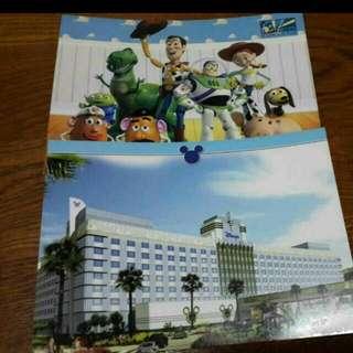 迪士尼明信片 ☆香港迪士尼帶回 ☆僅剩各兩張  ☆喜歡的朋友們歡迎詢問唷