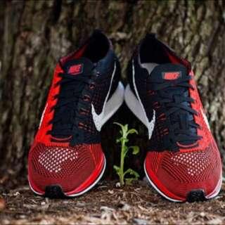 Nike Flyknit Racer 跑步鞋 編織慢跑鞋 (陰陽鞋黑紅 )男女鞋款