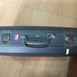 VIP Alfa Suitcase