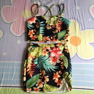 Floral Top And Skirt (detachable)