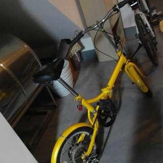 黃色折疊腳踏車