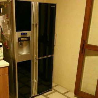 Preloved Hitachi Side-by-Side Refrigerator with built-in ice dispenser, Minus-Zero Hybrid Cooling System & Nano Titanium              (Model R-M700GMS) - Will Consider Reasonable Offer