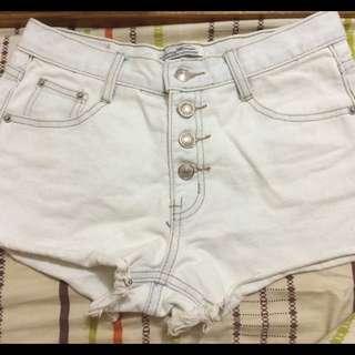 白色牛仔短褲