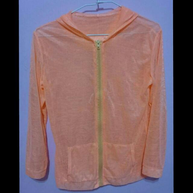 粉橘薄外套
