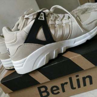 🌼Adidas 運動鞋