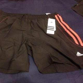 愛迪達Adidas 運動短褲