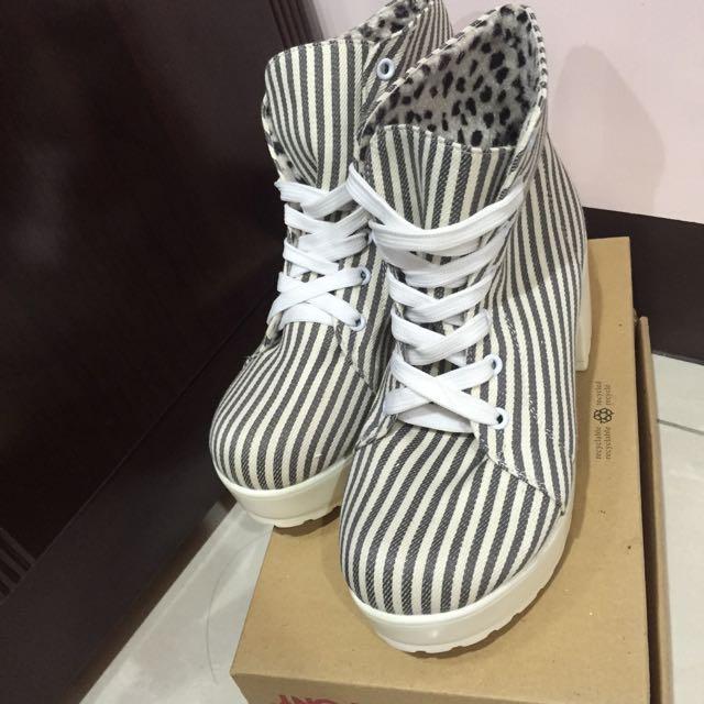 條紋高跟鞋