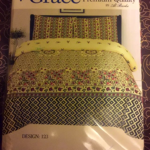 Bedsheet With Two Pillow Covers