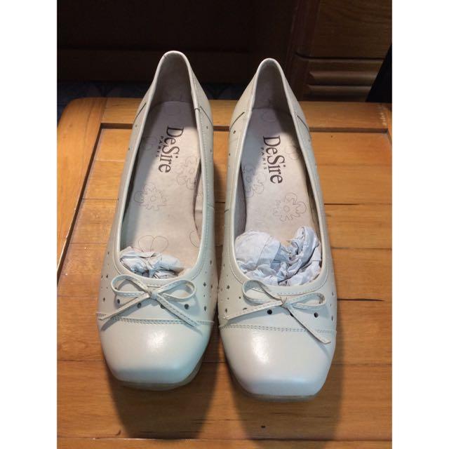 全新專櫃De Sire 鞋子 23.5